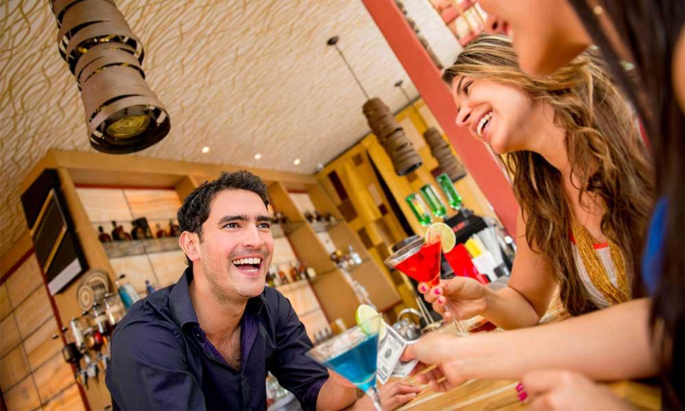 Bartender Salary - How much do bartenders make