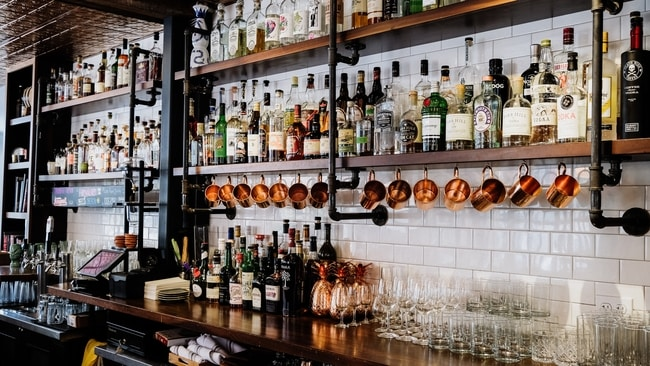 Organised back-bar
