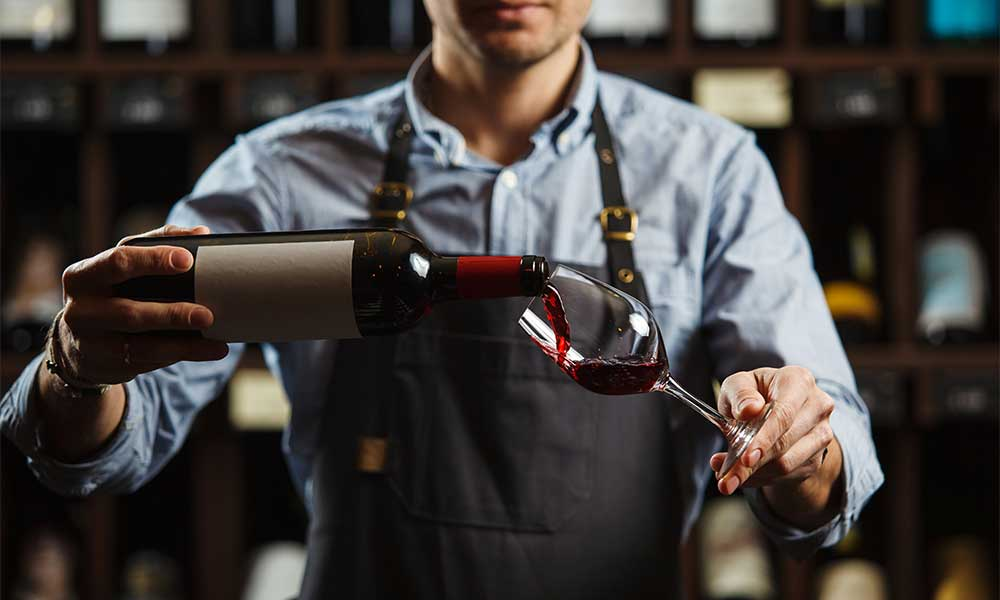 How to become a wine expert