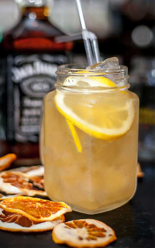 How to make a Lynchburg Lemonade Cocktail