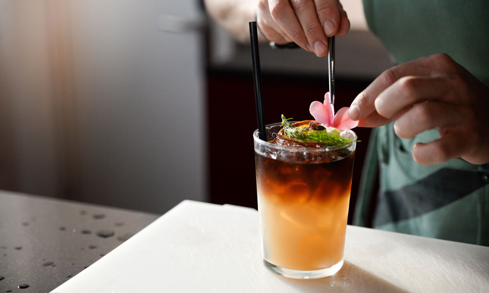 Expert Guide: Cocktails and Food Pairing Essentials 11